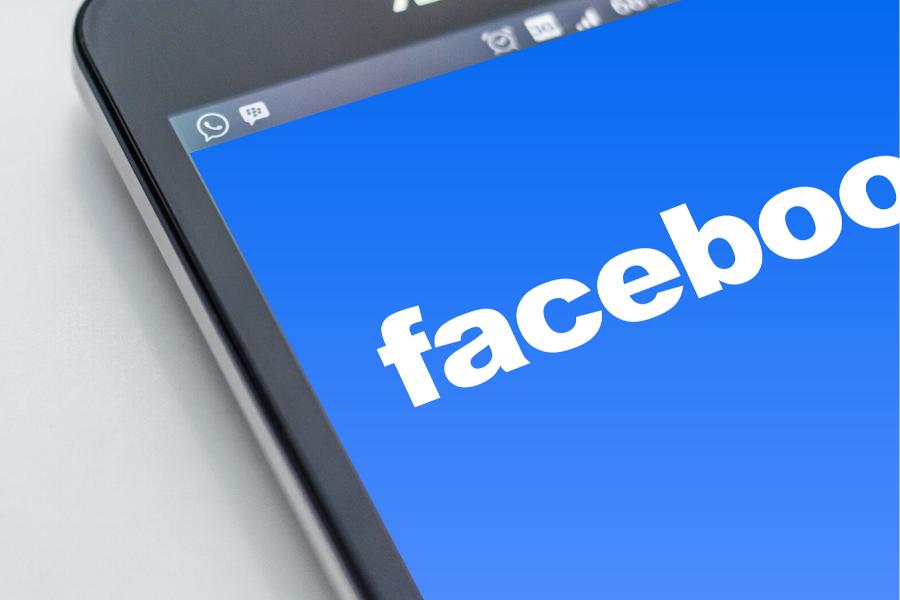 Dlaczego opiekunowie osób starszych powinni mieć konto na Facebooku
