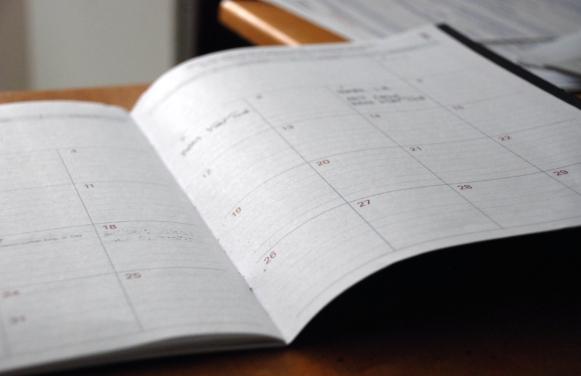 Otwarty kalendarz dni tygodnia po niemiecku