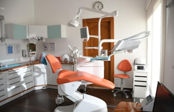 nauka nimieckiego dla opiekunek dentysta